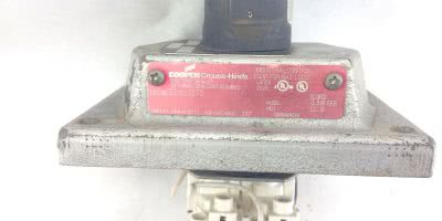 COOPER CROUSE-HINDS EDS21275, 0205871-3 HD SWITCH, HAZARDOUS LOCATION FACE(A321) 1