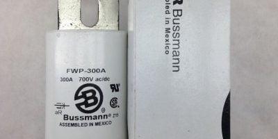 COOPER BUSSMAN FWP-300A 700V AC/DC SEMICONDUCTOR FUSE (B453) 1