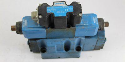 Vickers Directional Control Valve KBDG5V-7-33C170N-M1-PE7-H1-10 *USED* (B256) 1