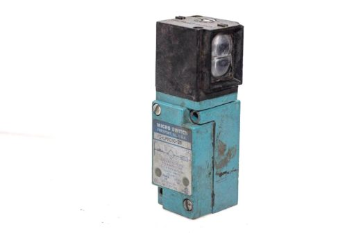 MICRO SWITCH FE-LPK03C-2S PHOTOELECTRIC SENSOR NEW (A443) 1