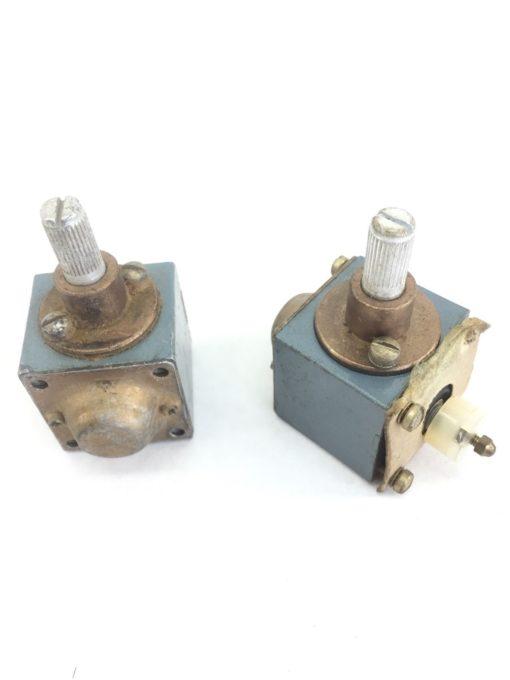 LOT of 2 ALLEN BRADLEY Z-21172 HEAD FOR LIMIT SWITCH USED (A445) 1