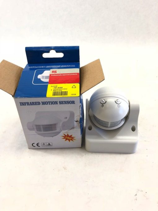 NEW IN BOX RS PRO 791-8260 INFRARED MOTION SENSOR 220-240VAC 50HZ (B412) 1