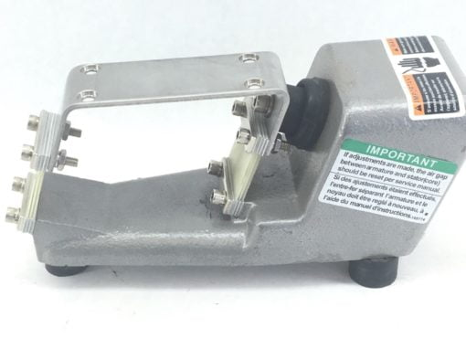 FMC SYNTRON F-T0-C MAGNETIC FEEDER *** BASE ONLY *** NO COIL (B457) 7