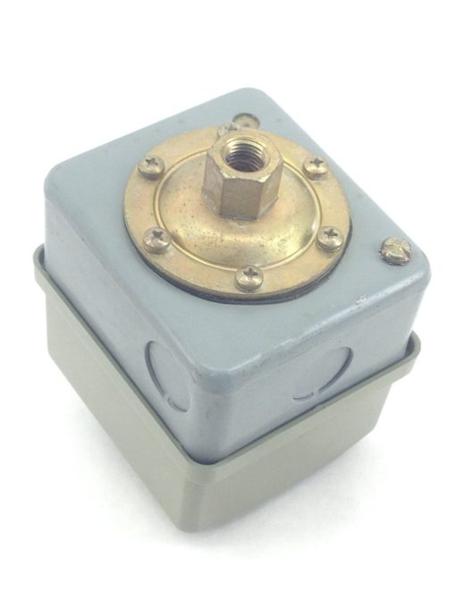 NNB! GENUINE SQUARE D Pressure Switch 9013-GSG2 9013GSG2 50/30 PSI (A452) 2