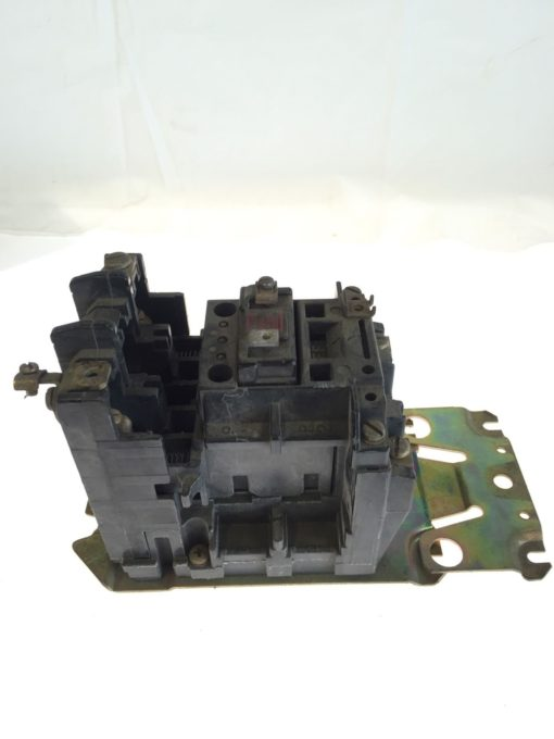 Allen Bradley Motor Starter Size 2 110/120VAC, 60/50HZ, SERIES K, CB236, G83 2