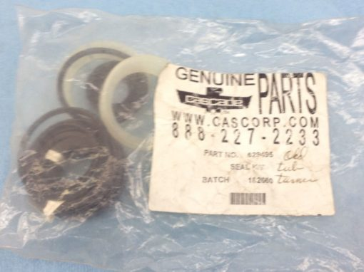 NEW! CASCADE FORKLIFT CAC 629495 SEAL KIT FAST SHIP!!! (H155) 1