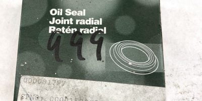 CHICAGO RAWHIDE 22353 OIL SEAL (J52) 1