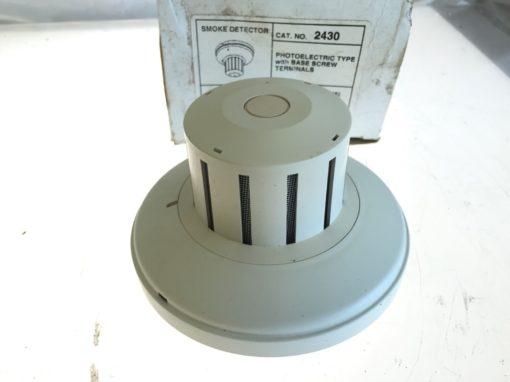 NEW IN BOX Edwards 2430 Photoelectric Type Smoke Detector w/ Base Screw, (B190) 2