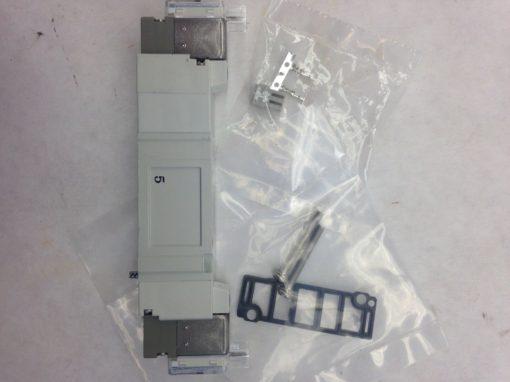 SMC SY5540-5MNZ-0 SOLENOID VALVE (A776) 1