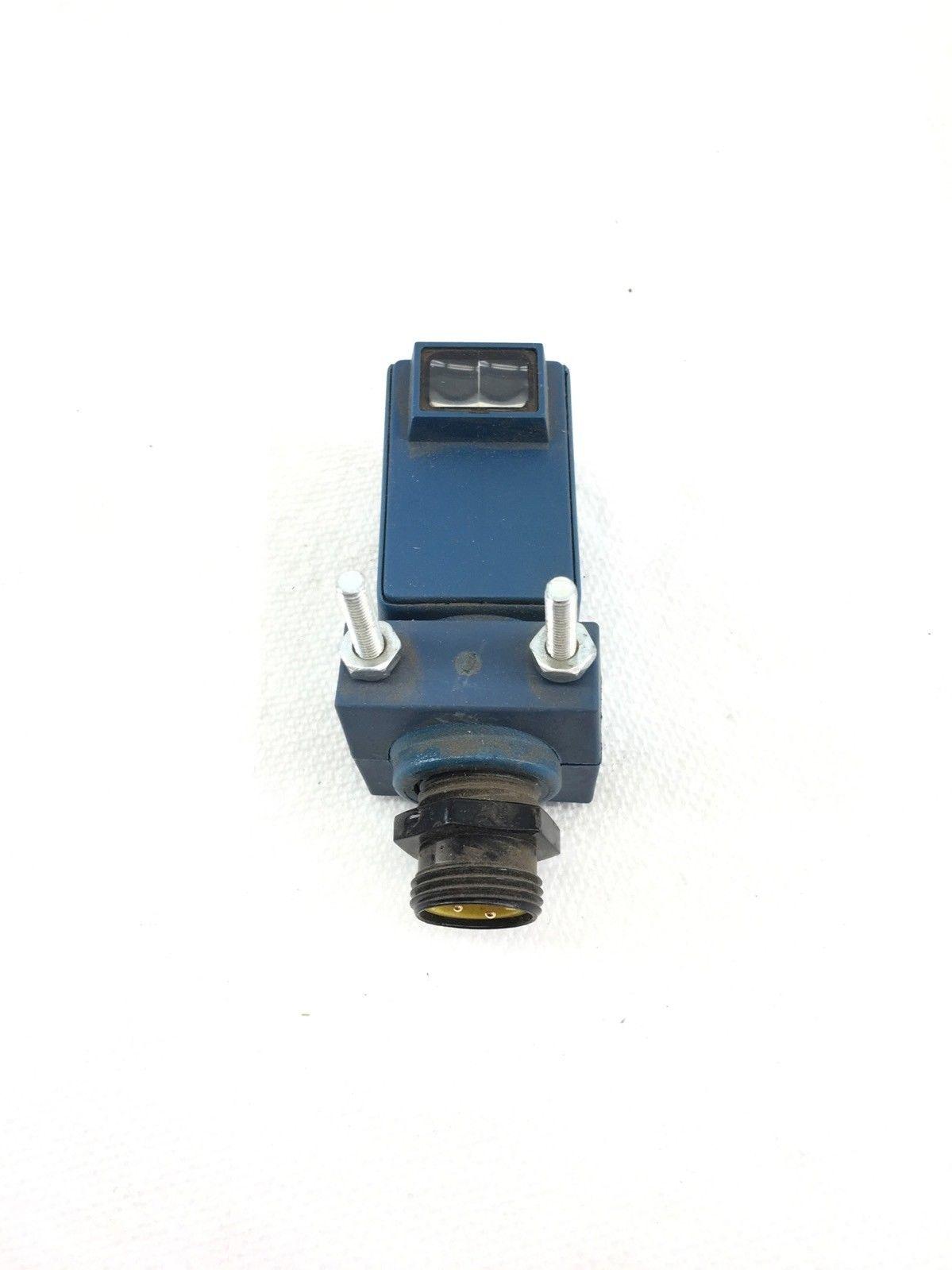 NEW EATONÂ 1356A-6503 24 INCH DIFFUSE REFLECTIVE, 20-264 VAC, 15-30 VDC, (A594) 1