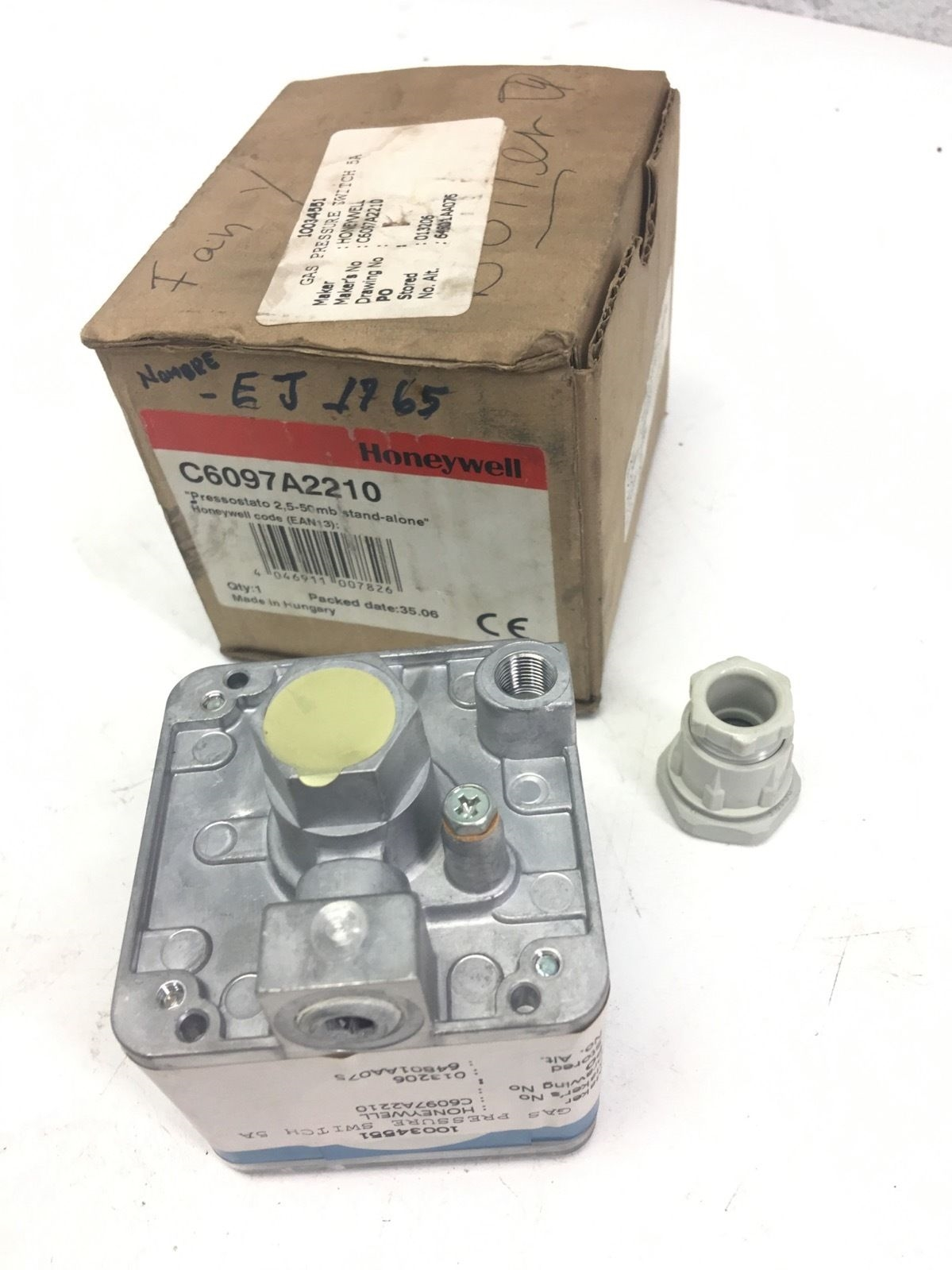 NEW IN BOXÂ Honeywell Gas Pressure Switch C6097A2210 STAND-ALONE, FAST SHIP, B275 2