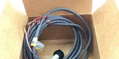 NEW IN BOX Omron E2F-X1R5F1, Proximity Switch Sensor, 12-24VDC, FAST SHIP! A457 1
