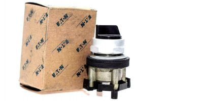 EATON CUTLER HAMMER HT8JNH3A 2-POS SS BLACK KB SRR OPERATOR NEW IN BOX! (F73) 1