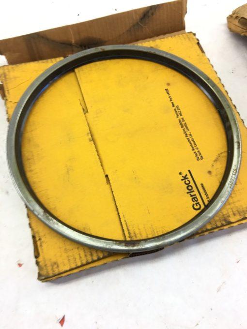 NEW IN BOX GARLOCK SEALS 53X3691 Oil Seals 11 Inch Shaft Diameter, B324 1