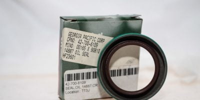 CHICAGO RAWHIDE 14887 JOINT RADIAL DUAL LIP OIL SEAL NEW IN BOX! FAST SHIP (G02) 1