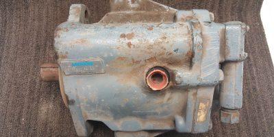 Vickers Hydraulic Axial Piston Pump 380187/F3 PVB20 RS 20 C11 *used* (B169) 1
