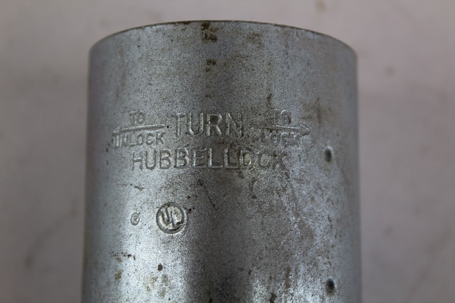 Hubbellock 45135 Connector 20A 250V DC/ 30A 600V AC *NEW* (B242) 2