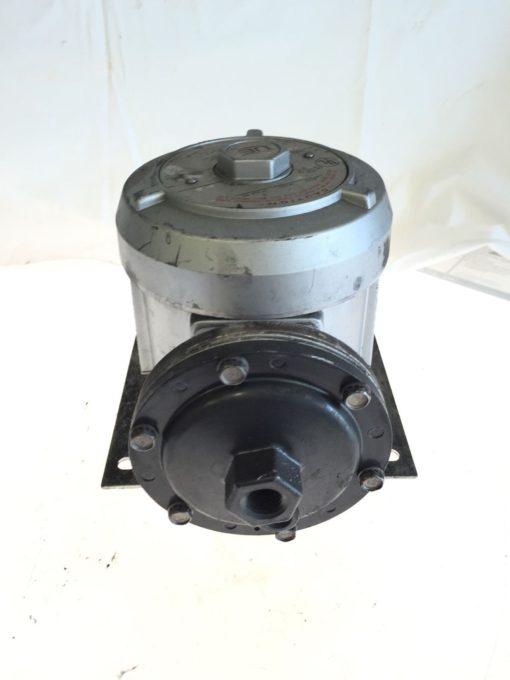 USED UNITED ELECTRIC J110D PRESSURE SWITCH MODEL 440, 15 AMP, 125/250 VAC, B134 2