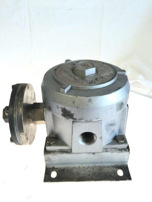 USED UNITED ELECTRIC J110D PRESSURE SWITCH MODEL 440, 15 AMP, 125/250 VAC, B134 3